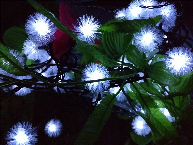 Solar Powered LED Snow Ball Light String 3M